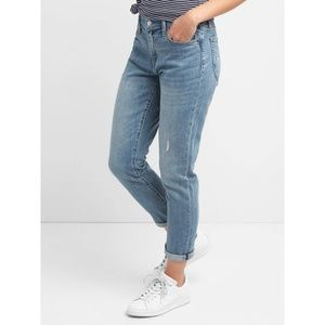 Gap MidRise Best Girlfriend Jeans Light Indigo 3L7
